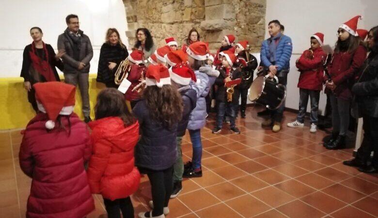 Al Palazzo Salleo di Sinagra inaugurata la mostra dei presepi artigianali