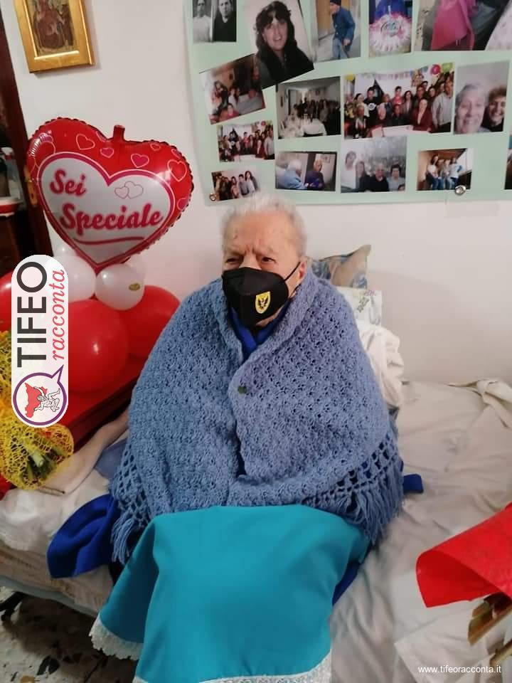 Buon compleanno Maria: oggi compie 112 anni, è la più longeva d'Italia. Ecco la sua storia