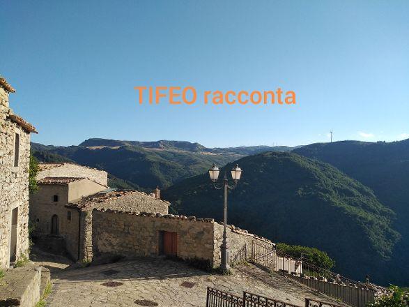 Impressioni di una visita al suggestivo borgo di Montalbano Elicona
